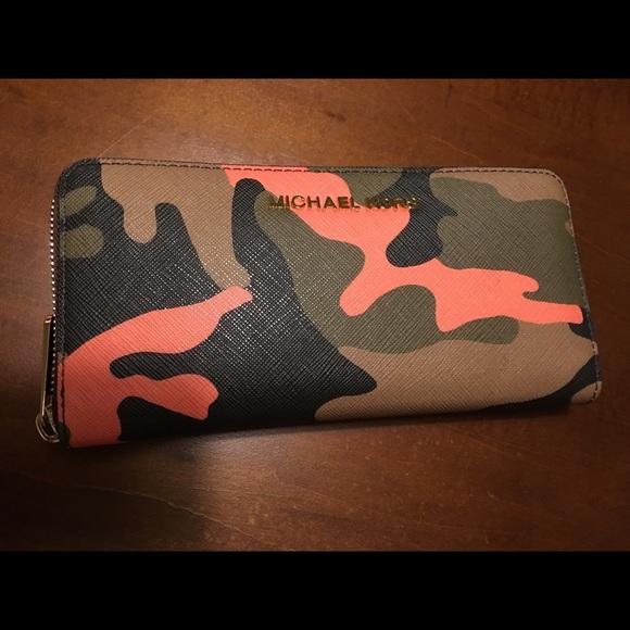 8389de4dbd25a4 MICHAEL Michael Kors Bags   Authentic Michael Kors Orange Camo ...
